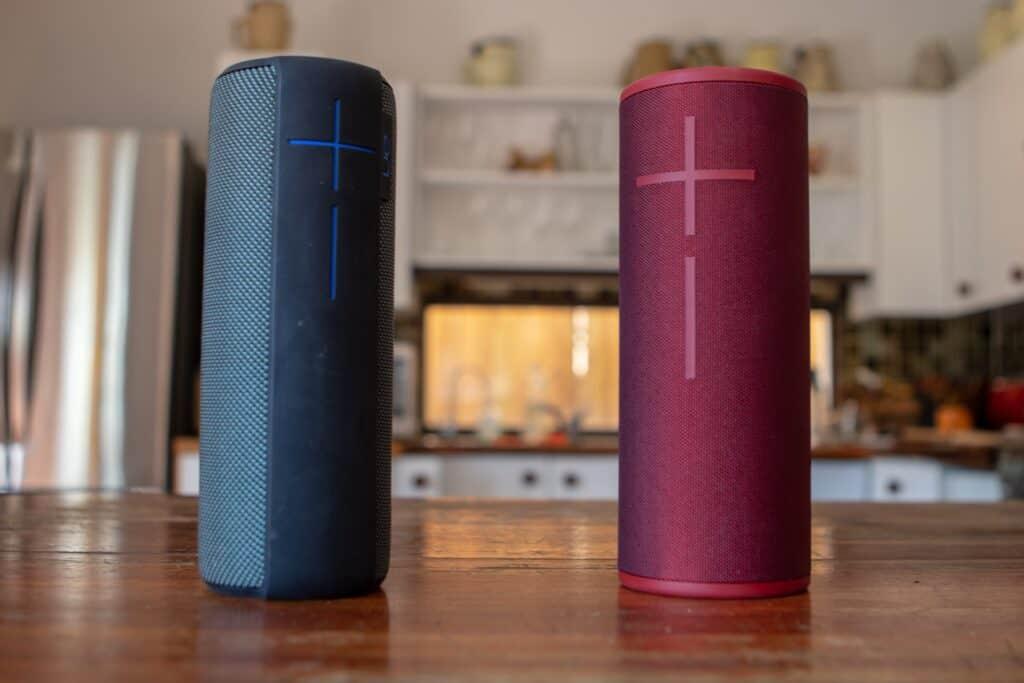 Bluetooth højtalere i forskellige farver